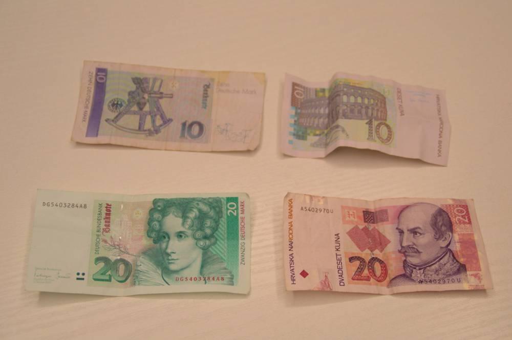 Türkische Lira und deutsche Mark Geldscheine mit grosser Ähnlichkeit